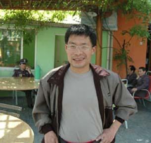 图片:杭州维权人士邹巍。(网络图片/记者乔龙)