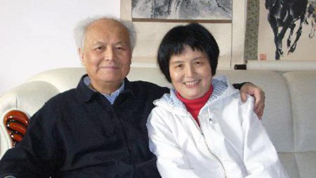 李锐和女儿李南央。(参与网)