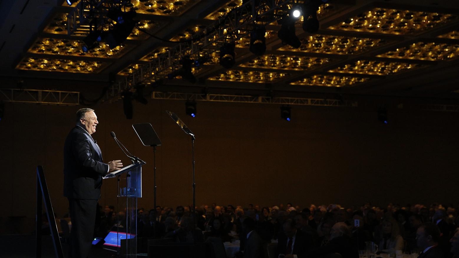 美国国务卿蓬佩奥22日在华府智库传统基金会总裁年度会议开幕式上致词批评,中国以胁迫及贪腐治国。(美联社)