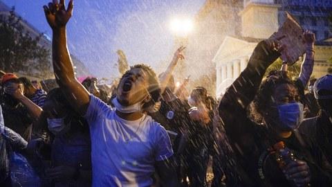 2020年6月4日,美国首都华盛顿的抗议民众。(美联社)