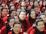 印度两千名学生集体戴着习近平面具,对习近平表示欢迎。(AFP)