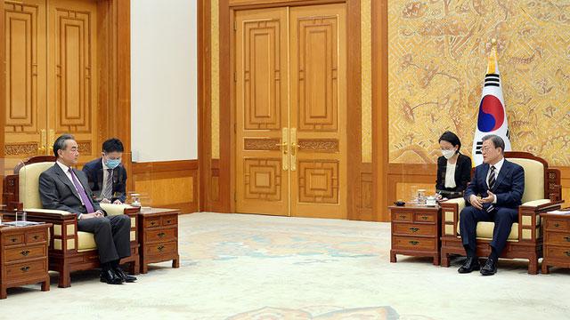 王毅访问韩国,试图重建中韩间的信任关系。(法新社)