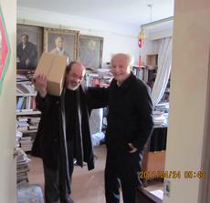 本次造访结束前,李锐先生赠送王康一箱他出版的著述,其中五本是关于毛泽东的。北明拍摄