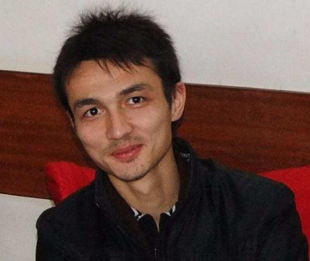 访谈中提到的08级民族学学生帕尔哈提,因为与依力哈木关系密切也被逮捕。(图尔孙江提供的照片)