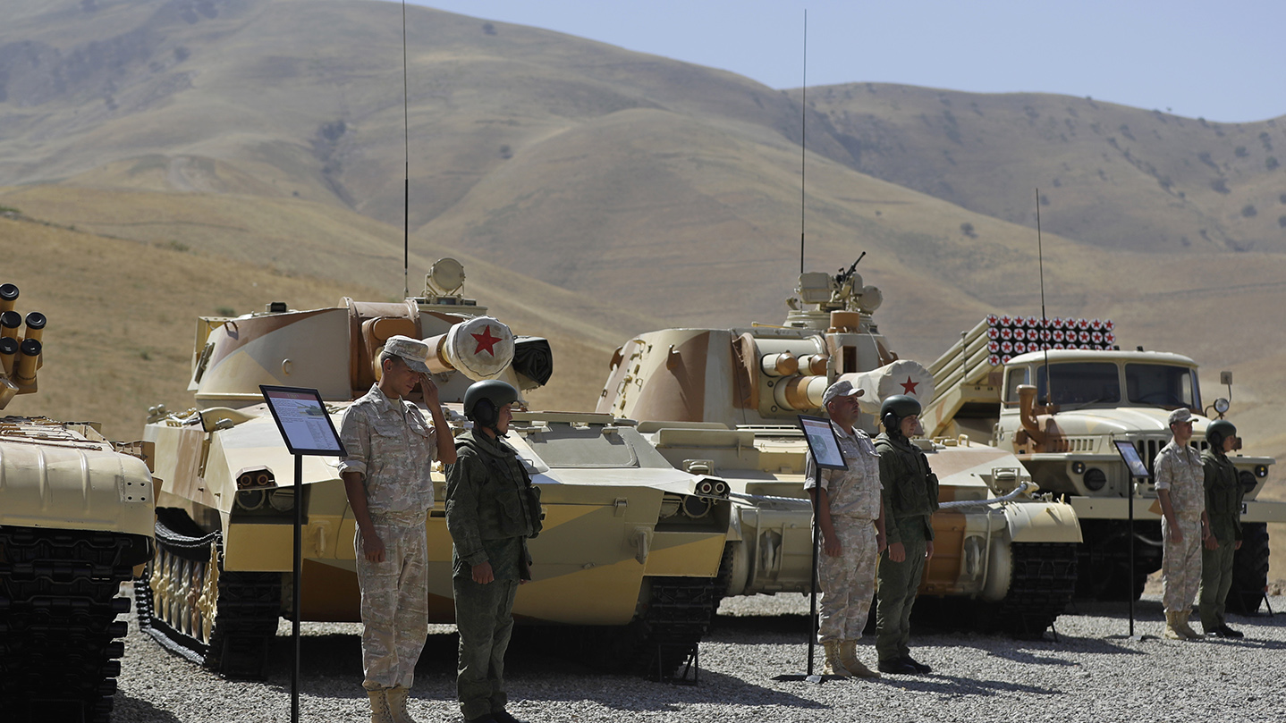 俄罗斯9月中下旬举行「中部-2019」战略演习,邀请中国、印度、巴基斯坦等7国参加联合军演。(美联社)