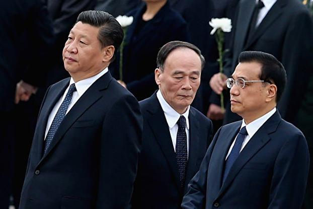 习近平(左),王歧山(中)、李克强(右)。(public domain)