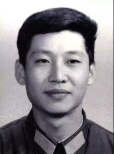 习近平曾担任耿飚秘书。(Public Domain)